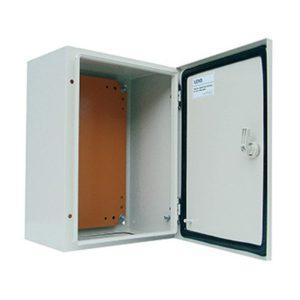 Gabinete metálico IP65, 1 puerta, 250x200x150mm.